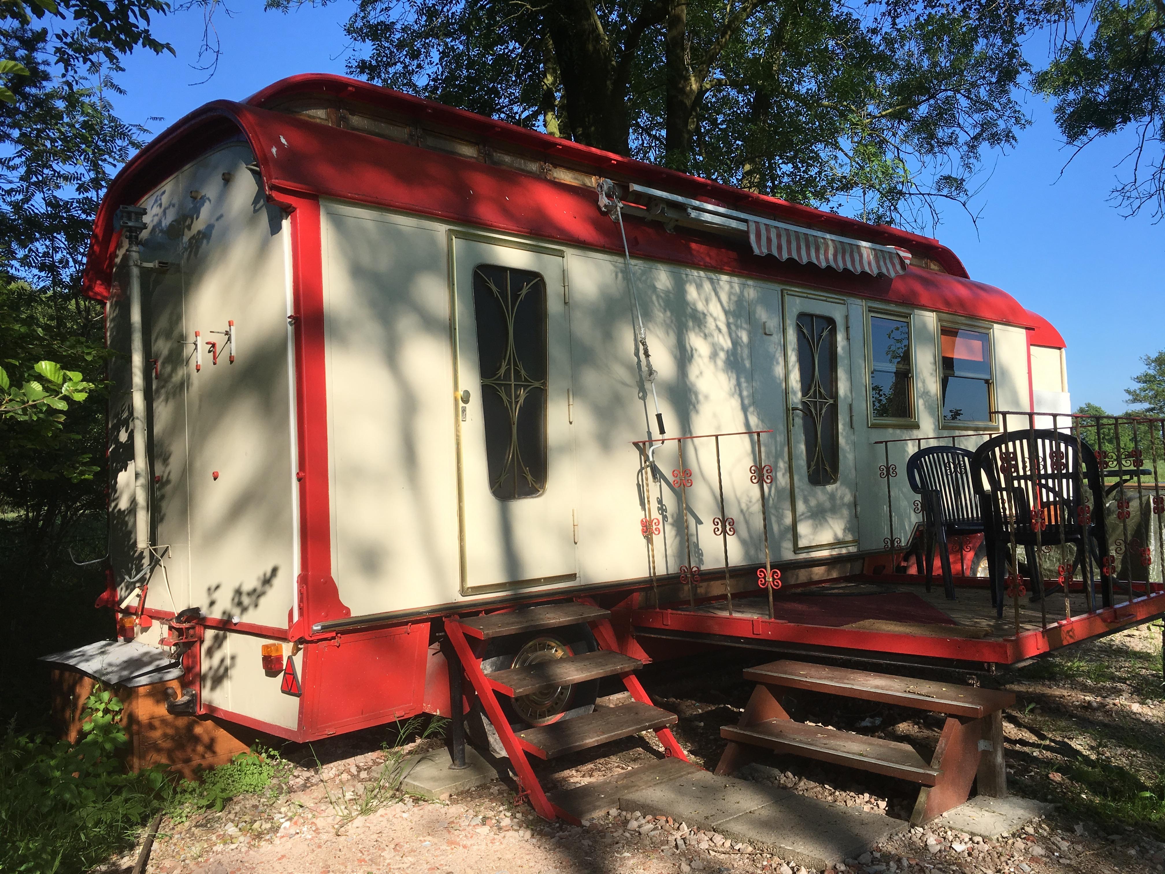 Zirkuswagen Flick Flack Terrasse Vermietung
